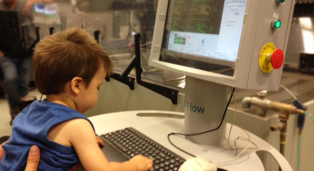 A child working in the FlowCut program